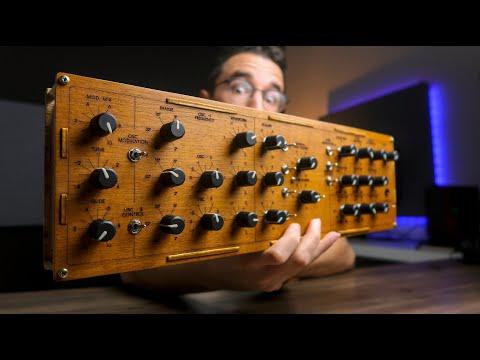 I built a MiniMOOG based Arduino DIY MIDI controller!