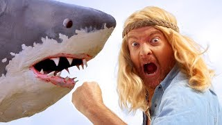 Shark Fighter! - Rhys Darby - Full Episode - The Aquabats! Super Show!