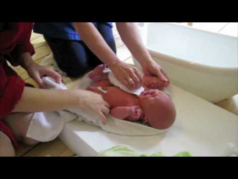 how to give a newborn a bath youtube