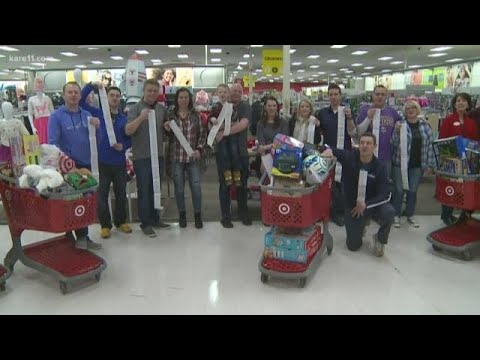 Fantasy football league fills 32 carts for Toys for Tots