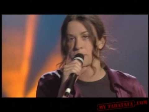 Alanis Morissette - Hand In My Pocket (Live Paris 27/03/96)
