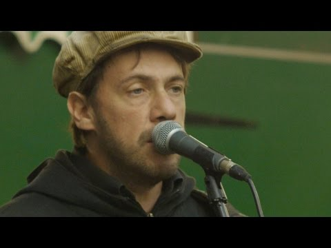 Let Her Go (Passenger cover) - Rob Falsini sings in Covent Garden