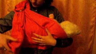 как одевать носить и снимать слинг с ребенком(http://mysupermarket.org.ua - сравнение цен на продукты в супермаркетах., 2009-12-19T21:40:58.000Z)