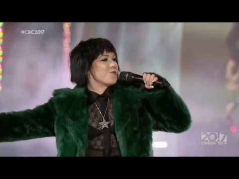 Carly Rae Jepsen - Run Away With Me (Live at CBC Canada's New Year's Eve 2016)