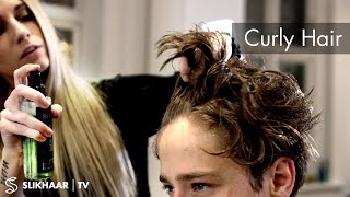 Curly look for men - Mens hairstyle inspiration - By Vilain Pomade
