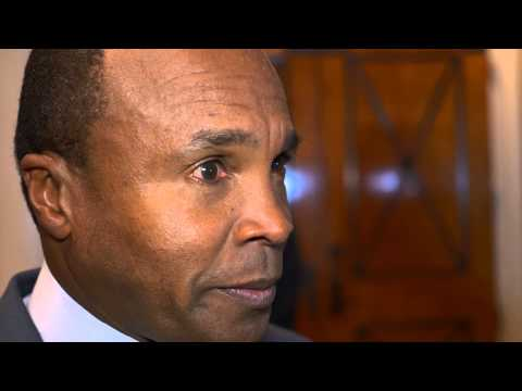 Sugar Ray Leonard at the Nevada Boxing Hall of Fame - TITLE Boxing - Boxing Champs