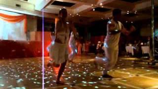 Nicolas Carballo baila Pegate de Ricky Martin