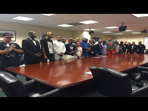 Houston Rappers Open Accounts At Black Owned Bank After Historic Meeting w/Mayor