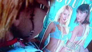 """Chucky und  Porno heftchen_ lustige Szene aus """"Chuckys Baby"""""""