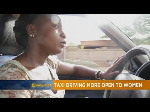 Burkina Faso : Biba, unique femme chauffeur de taxi à Ouagadougou