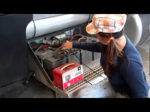 Peterbilt Dead battery - YouTube