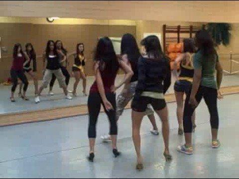 Jo De La Rosa Rehearsal