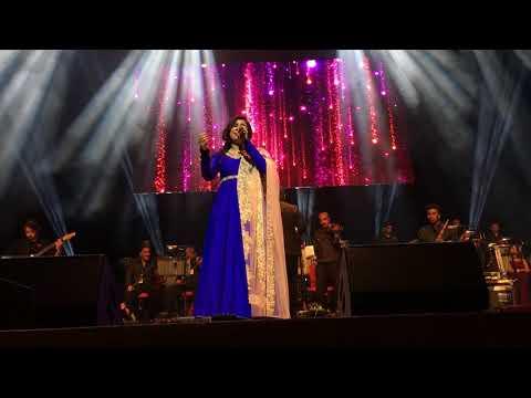 Shreya Ghoshal - Tere Bina - Live in...