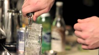 How To Make A Cape Codder - Drinkskool Cocktails