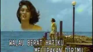 Download YouTube - Nike Ardilla - Sandiwara Cinta.flv