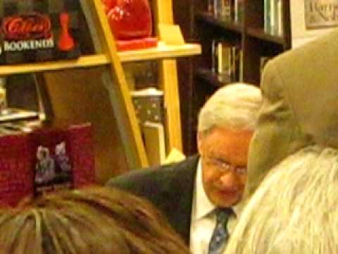 DR.CHARLES STANLEY BOOK SIGNING