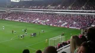 Best pitch invader ever - West Ham - Tottenham - fan invades pitch and takes unique free kick