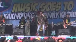 My Karavan K2 Reggea (Anak Singkong) live Lap. Sragi Songgon uuyyyeee...