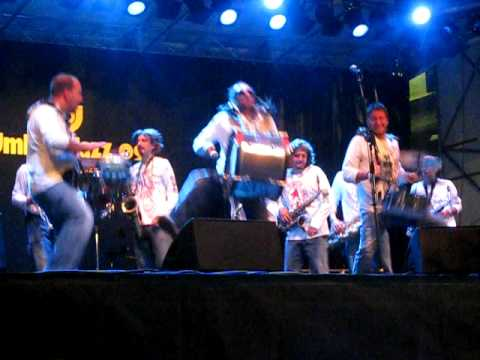 Funk Off - Funky Made in Vicchio ( Live Umbria Jazz '09 )