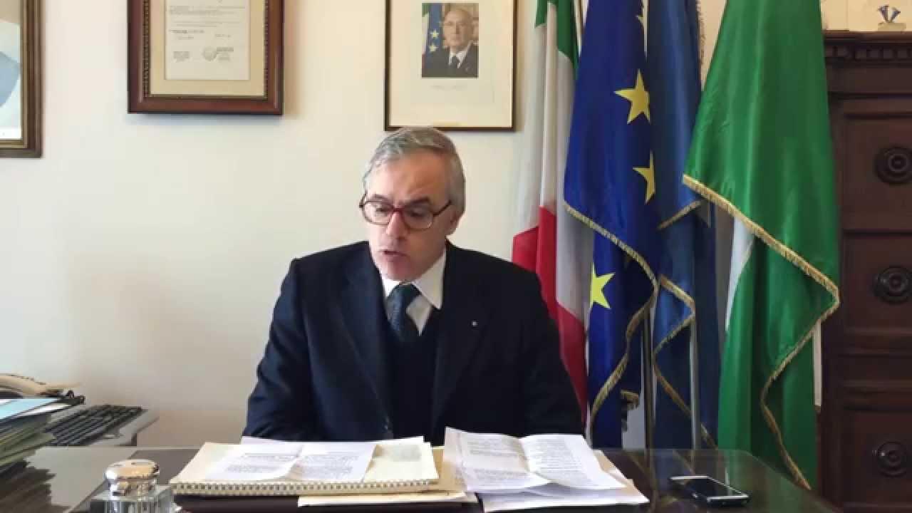 Risultati immagini per sindaco di Capri Gianni de Martino