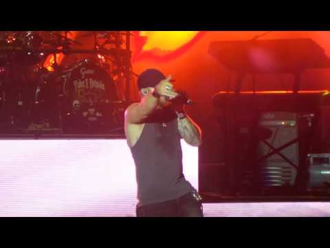 Brantley Gilbert- Bottoms Up Little Girl Comes On Stage Pitt PA August 2016