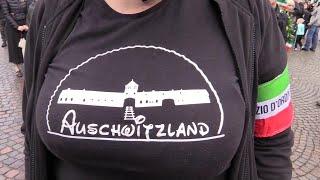 """Predappio, la militante scherza sui lager: """"La mia maglietta 'Auschwitzland'? Humor nero"""""""
