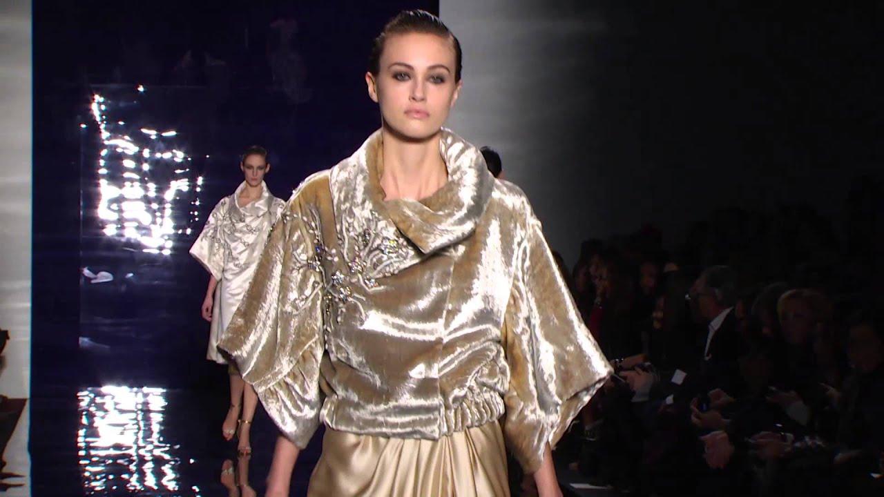 e95b82f83 عرض أزياء المصممة ريم عكرا في أسبوع نيويورك للموضة خريف/ شتاء 2014-2015