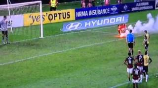 2013 grand final,Western Sydeny supporter throws flare onto the ground!