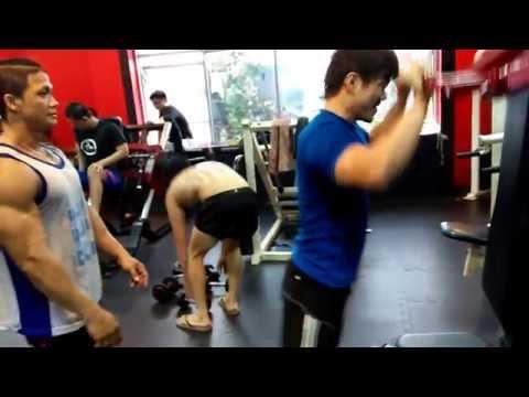 Latihan Otot Bahu Bareng Personal Trainer Yakuza Gym Fitness Club Jakarta Hery YAKUZA