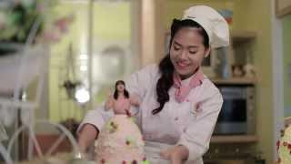 Repeat youtube video The Social Hit - ตอน จาดี สอน แอนนี่ แต่งหน้าเค้ก [ขนมปังเลอแปง by CPRAM]