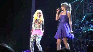 Taylor Swift and Nicki Minaj Duet Super Bass in Los Angeles Speak Now Concert