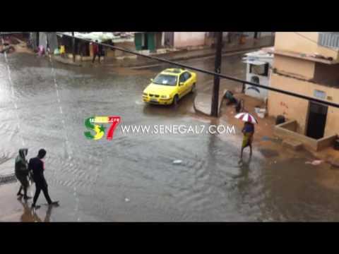 pluie a Dakar la banlieue inondée