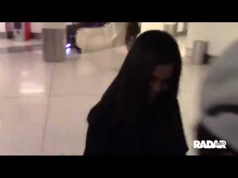 Selena Gomez At Lax Airport Youtube