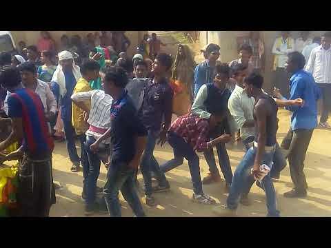 DJ wala babu mor gana bajabu Keldamal jharsuguda to raidihi barati my best frnd barati dances