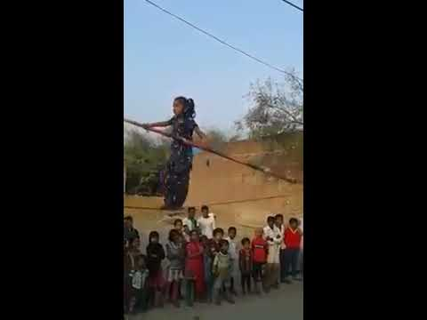 Amazing Rope dance by poor indian child girl (HindiJokes.mobi)