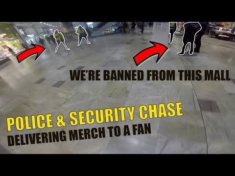 POLICE & SECURITY CHASE THROUGH MALL! DELIVERING MERCH TO A FAN!