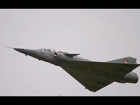 Mirage IIIDS Low pass & Landing in Berne (with ATC!) HD