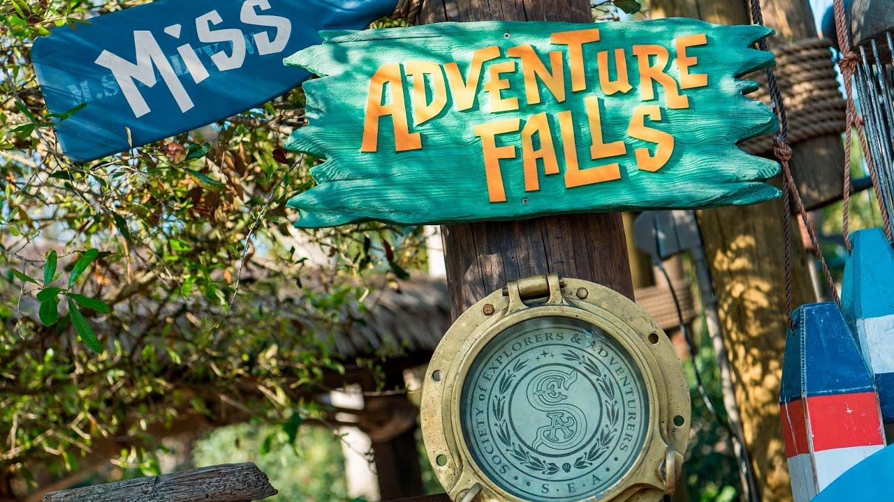 miss-adventure-falls-at-typhoon-lagoon