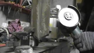 чудо лопата!!!теперь копать зимой-не проблема!(Лопата для зимнего копа из рессоры своими руками!!!!!!!! Это видео создано с помощью видеоредактора YouTube (http://www..., 2014-12-17T20:23:00.000Z)