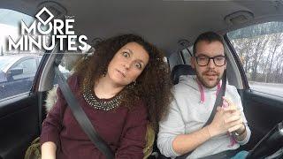 8 more minutes 1x01 - Στο αμάξι με την Κατερίνα Βρανά