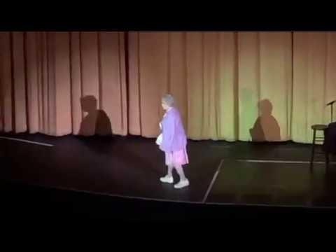 """Vicki Lawrence as """"Mama"""""""
