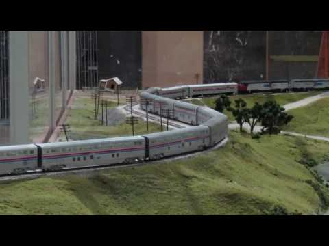 LONG Amtrak HO scale El Capitan on the Illinois Midland Model Railroad Club