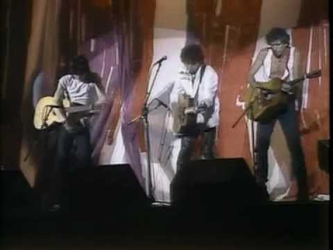 Bob Dylan, Keith Richards and Ronnie Wood 'Blowin'In the Wind' (Philadelphia 1985)