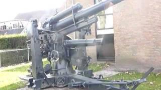 Flak 88 mm kanon. Big German FLAK canon WW2. Oorlogsmuseum Nijverdal.