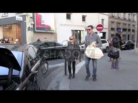 EXCLUSIVE  Reese Witherspoon and her husband Jim Toth shopping at Bon Ton in Paris