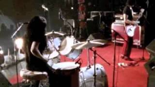 The White Stripes - Under Blackpool Lights - 16 The Big Three Killed My Baby