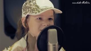 Юлия Можиловская с песней