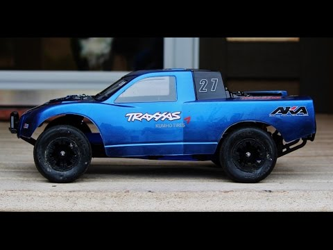 Traxxas Slash LCG Takes On Indoor Clay Track!