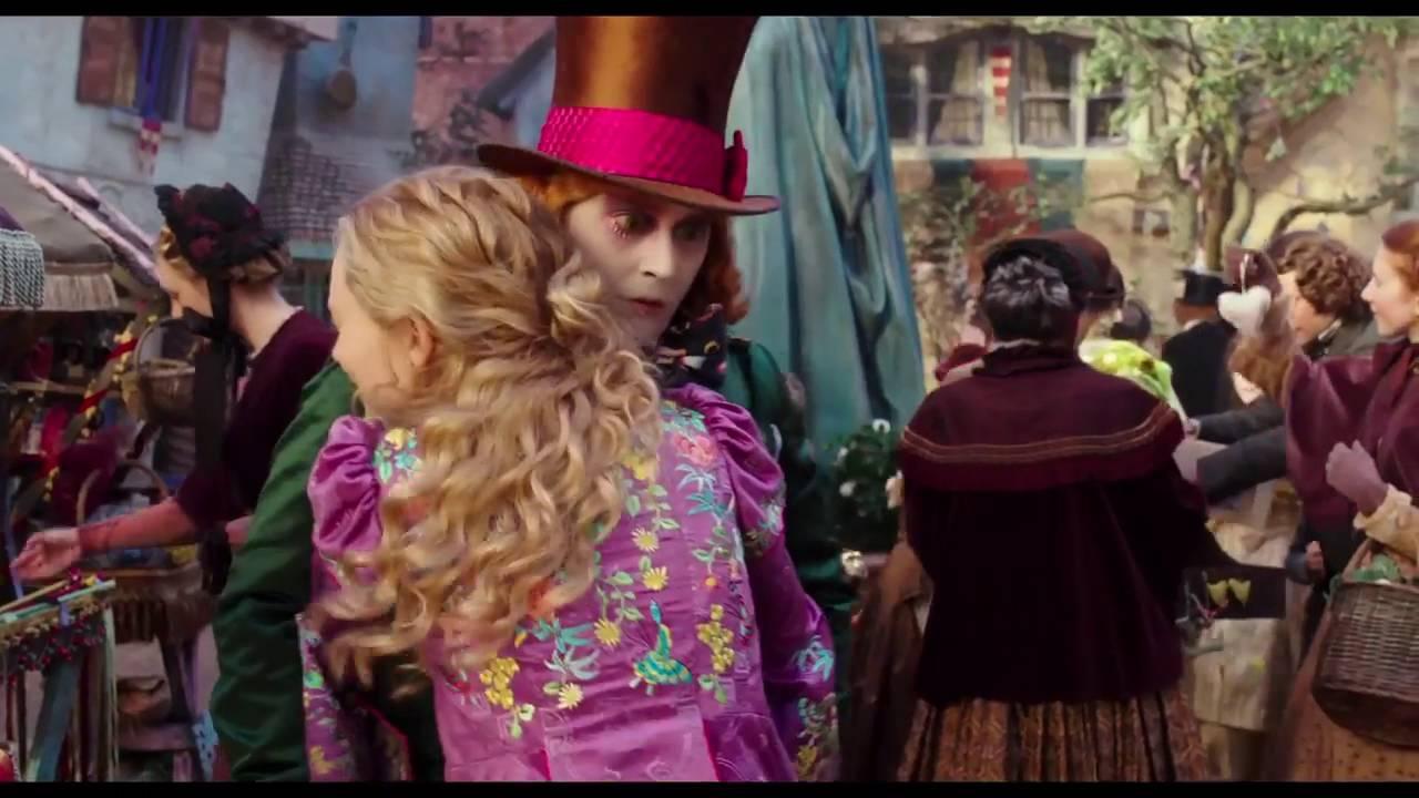 Alice de l 39 autre c t du miroir alice retrouve le for Miroir 3 bandes