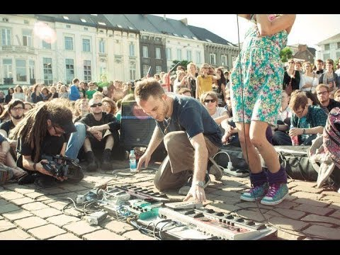 Dub FX feat Flower Fairy  Full Street Performence  in Gent Belgium